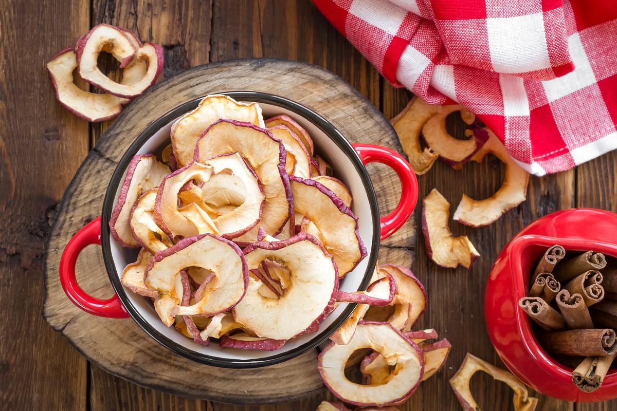 Насколько полезны сушеные яблоки