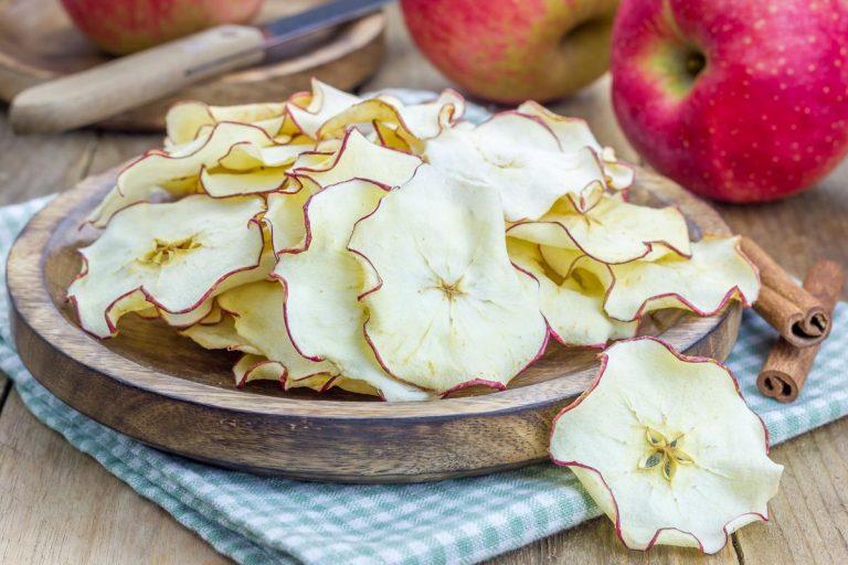 Насколько полезны сушеные яблоки?